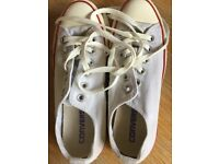 Cream white size 5 converse trainers in excellent condition