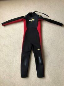 KIDS CHILDRENS WETSUIT FULL LENGTH 9 - 10 YEARS HEIGHT 140 CM 55 INCHES