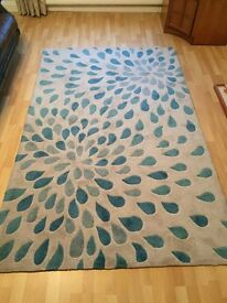 Large rug in light beige and teal 150 x 240cm