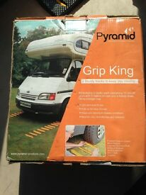 Pyramid Grip King 5 meter tracks NEW ,never used