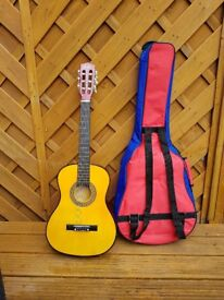 Kids 1/2 size Acoustic Guitar and case combo.