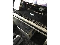 Kurweil K2500x synthesiser workstation