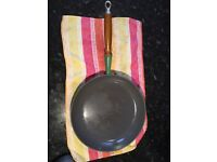 Le Creuset Frying Pan / Skillet. Large ( 27 cm D). Immaculate.