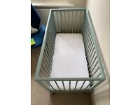 Mokee Mini Cot bed / With Drawer & Change mat
