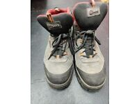 Steel Toe work boots - trainer style - Size UK 9