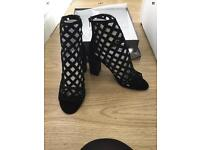CAN BE POSTED RRP£150 Jeffrey Campbell BNIB Leather/Suede Black Net Effect Size 7