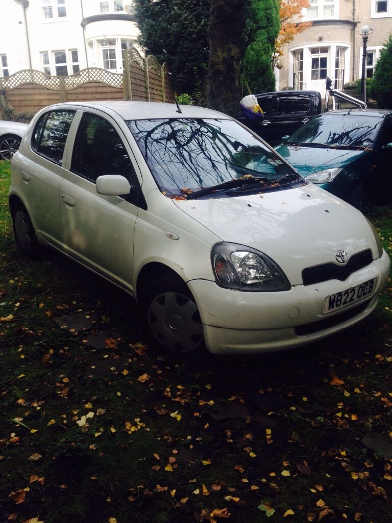 2000 toyota yaris 5 door 325 in keighley west yorkshire gumtree. Black Bedroom Furniture Sets. Home Design Ideas