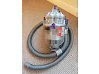 Dyson DC08 - Carpet Pro & Alergy Vacuum