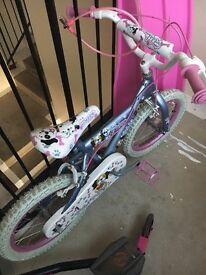 Girls bike. Age 4-7