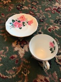 Roslyn Finest Bone China Cup and saucepan