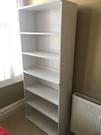 White bookcase (Ikea Borgsjo) in very good condition