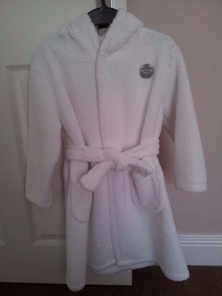White Dressing Gown / Bathrobe - NEW - 6-7 years