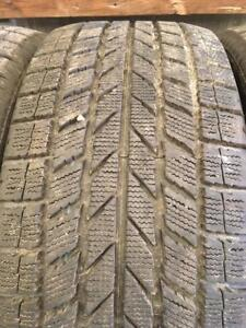 4 pneus d hiver 245/40r19 toyo a l etat neufs