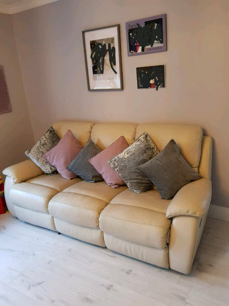 3 2 Seater Cream Leather Recliner Sofas In Andersonstown  ~ Cream Leather Reclining Sofa