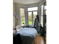 Double Room, Philbeach Gardens, Earls Court, Private Garden. Wifi.