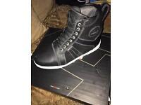 Akito motorcycle shoes