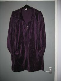 As new - Ladies donna Claire purple grape sweat shirt size XXL