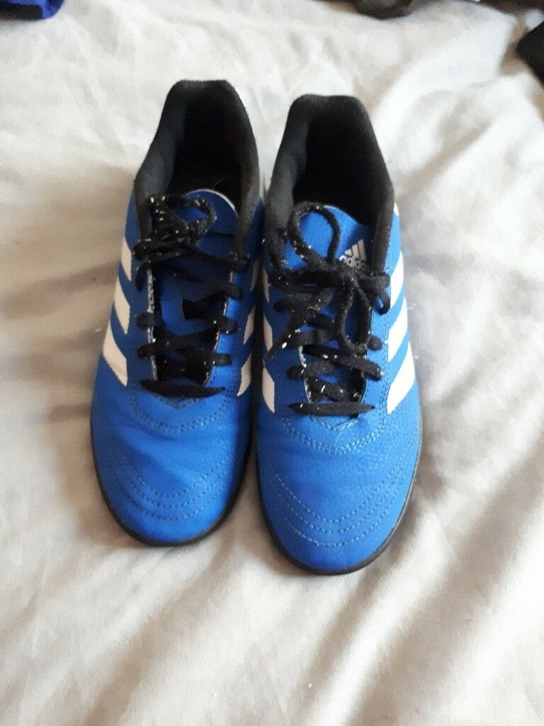 adidas trainers size 5 boys