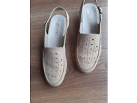 Ladies shoes : Leather Rohde Summer sandals size 7