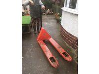 Pump pallet truck for sale