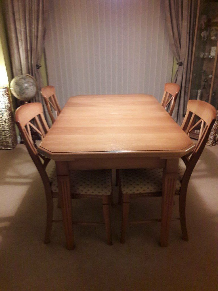 Solid Oak Dining Room Suite (extending table, 6 chairs & sideboard)
