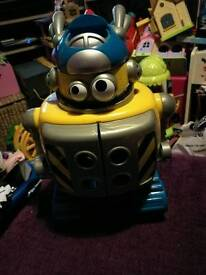 Happyland Large Robot with 2 Smaller Robots x