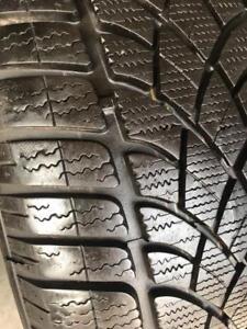 1 pneu 225/55/17 Dunlop hiver runflat 9-10/32