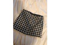 Armani Exchange Houndstooth mini Skirt