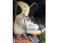 Saloman snowboard boots UK8