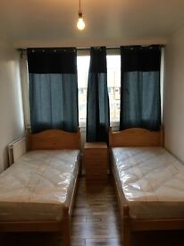 ROOMSHARE FOR MALE TO RENT IN ROEHAMPTON 80£PW/ALL BILLS INC