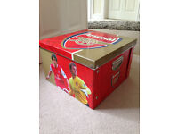 Arsenal FC Collapsible Storage Boxes (2) and Flag