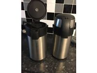 2 x 3 litre hot water urns