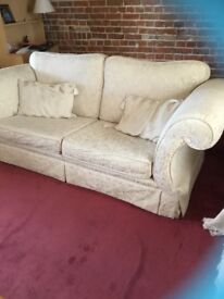 Beautiful large 3 seater sofa in extremely good condition from smoke and pet free home