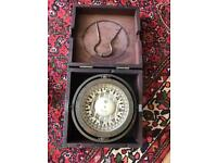 Compass and pair of compasses