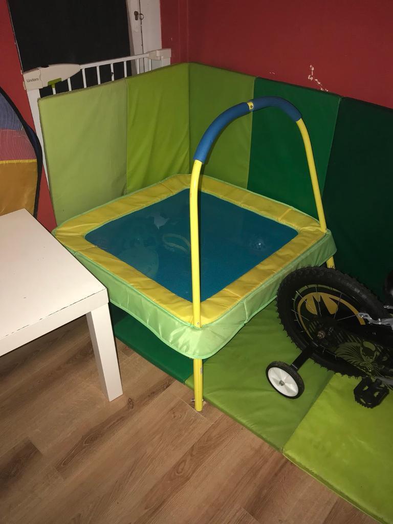 Kids trampoline toy