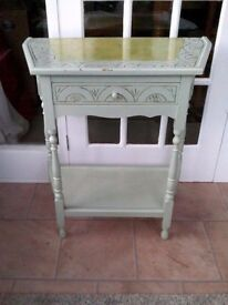 PRETTY WOODEN CARVED SHABBY CHIC CONSOLE/HALL TABLE WITH DRAWER