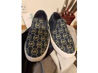 Micheal kors girls shoes size 2