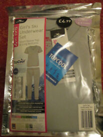 GIRLS Winter Ski Thermal Underwear 3-4yrs new in packet will post
