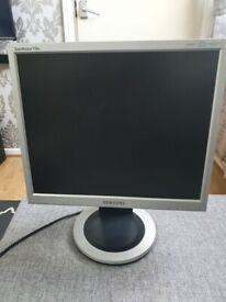 Samsung SyncMaster 710N - LCD monitor - 17 inch