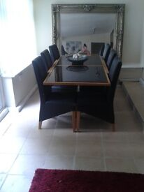 Gorgeous modern extendedable dinning table 6 chairs
