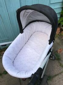 Carrycot to fit sola mamas and papas pram