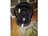 Mamas papas acton car seat and adaptors