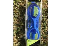 New sealed adult goggles OPEN TO OFFERS