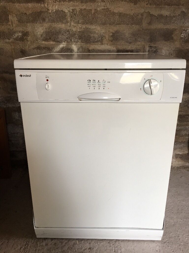 Indesit Dg 5000 Wg In Full Working Order From A Smoke Free