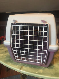 Large cat travel carrier good condition