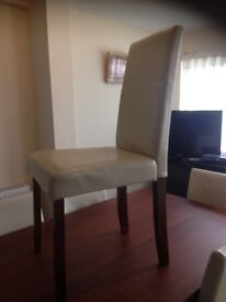 I would like to sale this item because I bought new one it is in good condition table with six chair