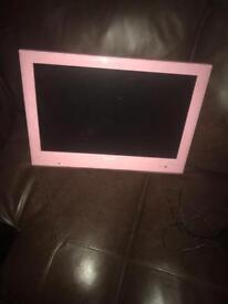 19 inch tv build in dvd