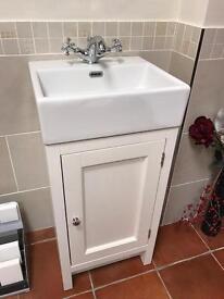 Bathroom Vanity Unit And tap