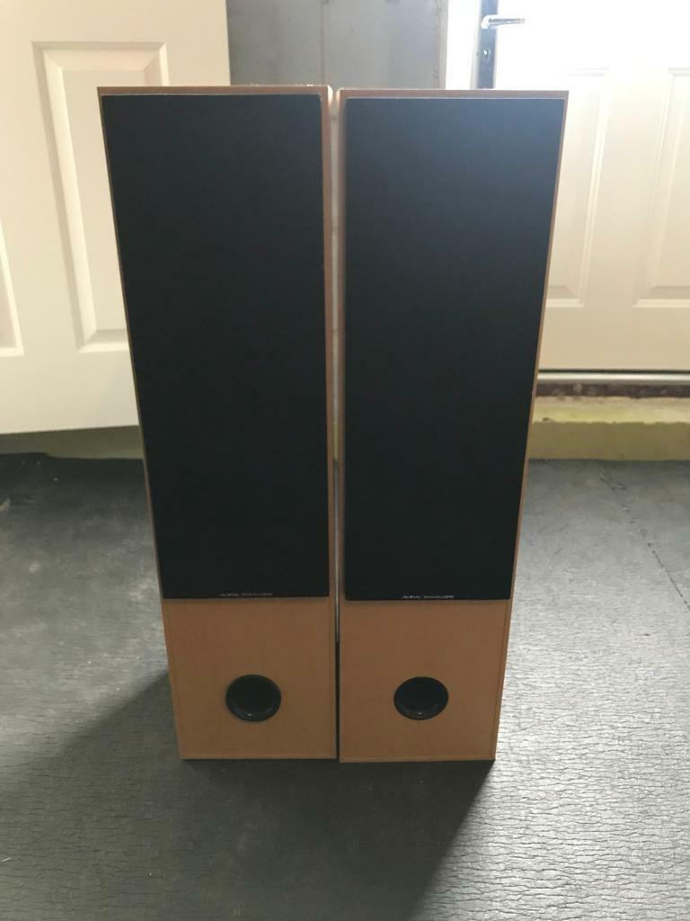 Aural envelope speakers