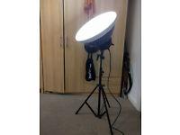 "Bowens Streamlite 530 Head + Calumet MF6035 7'5"" compact light stand"